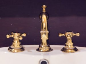 How to Fix a Leaky Compression Faucet in New Orleans